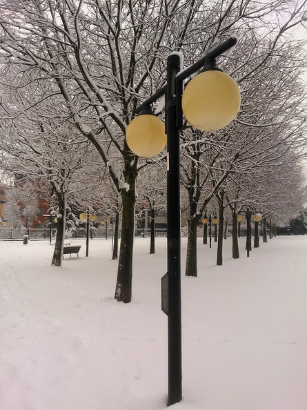 winter_street_lamp.jpg